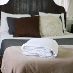 white silk bedding Hypoallergenic mattress